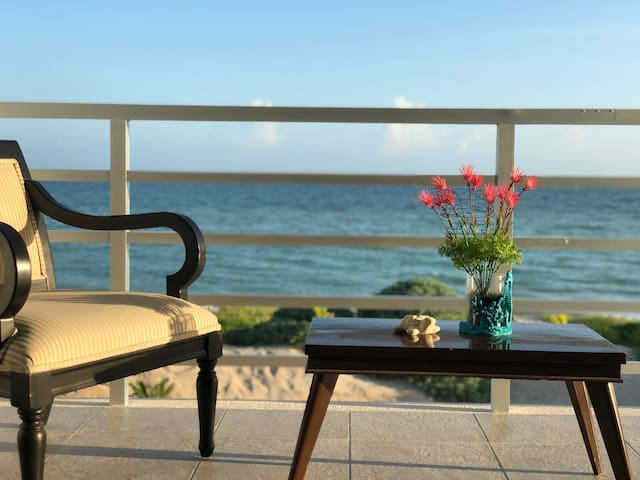 New and lovely ocean-front house in San Bruno