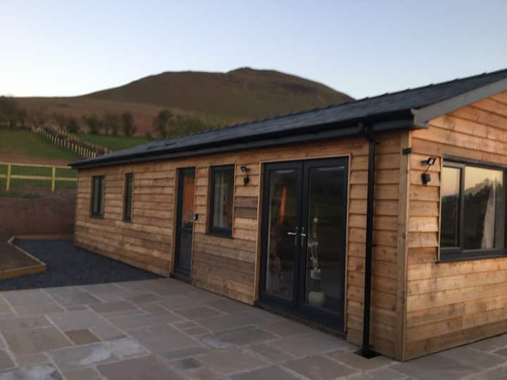The Lodge - Stunning views and tranquil setting