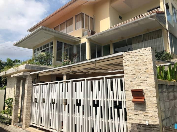 Whole House/3BR/BRT/Free WiFi&Housekeeping