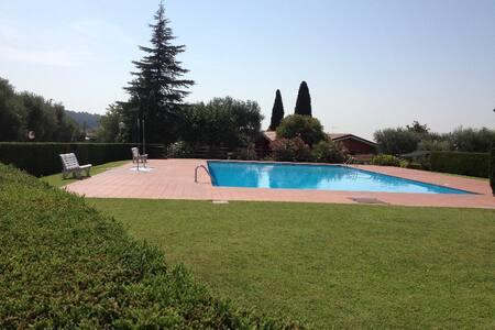 Villetta con giardino Lago di Garda - Calmasino - Дом