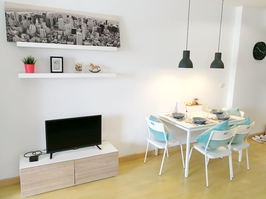 TV & Dining Table