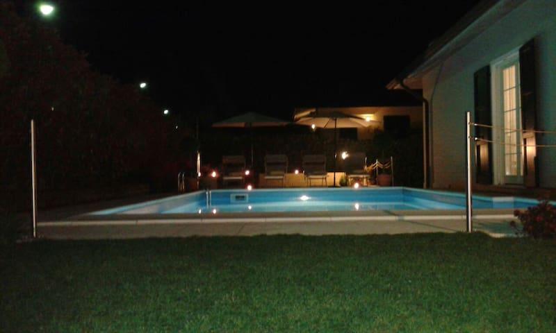 Villa  panoramica con piscina - Pozzolengo ( zona Lago di Garda ) - Villa