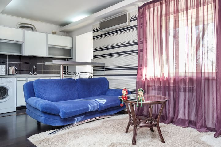 2-х ком. кв. ЛЮКС(дизайн),Wi-Fi,ЦЕН - Zaporizhzhia - Apartment