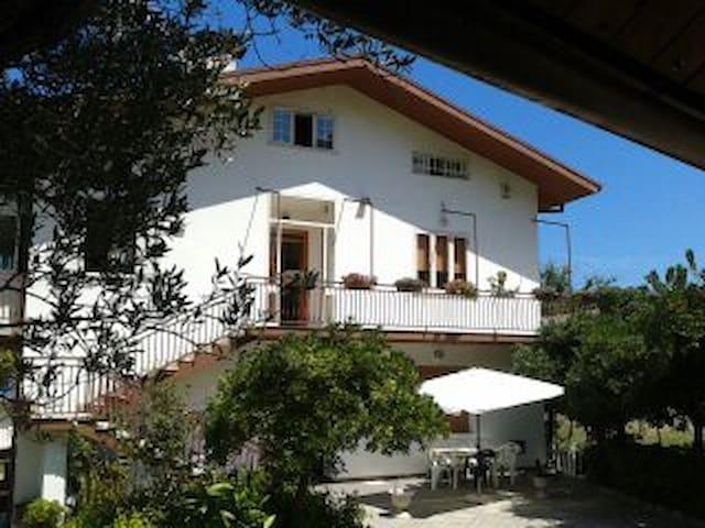 Appartamento in villa sul mare - Marina di San Vito - Wohnung