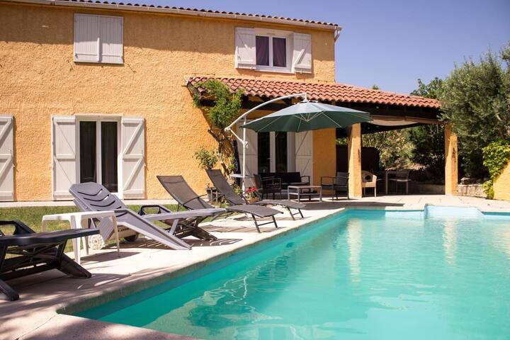 Maison près d'Aix en provence avec piscine