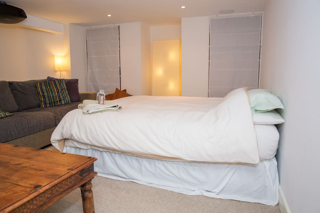 Second room with king size luxury aerobed