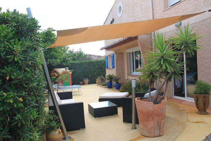 Villa contemporaine bord de mer - Narbonne - Huis