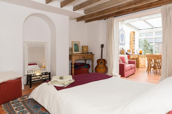 Mediterranean style basement flat sleeps 2 + cot