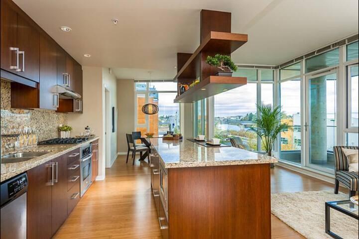 The Serenity Suite - Victoria - Apartment