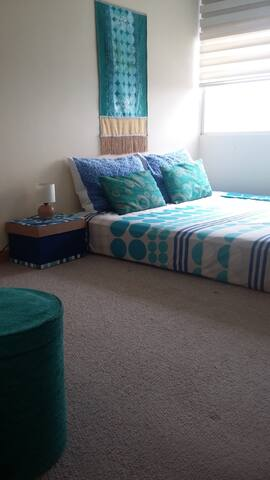 Kingsize orthopedic bed & mountain and city views