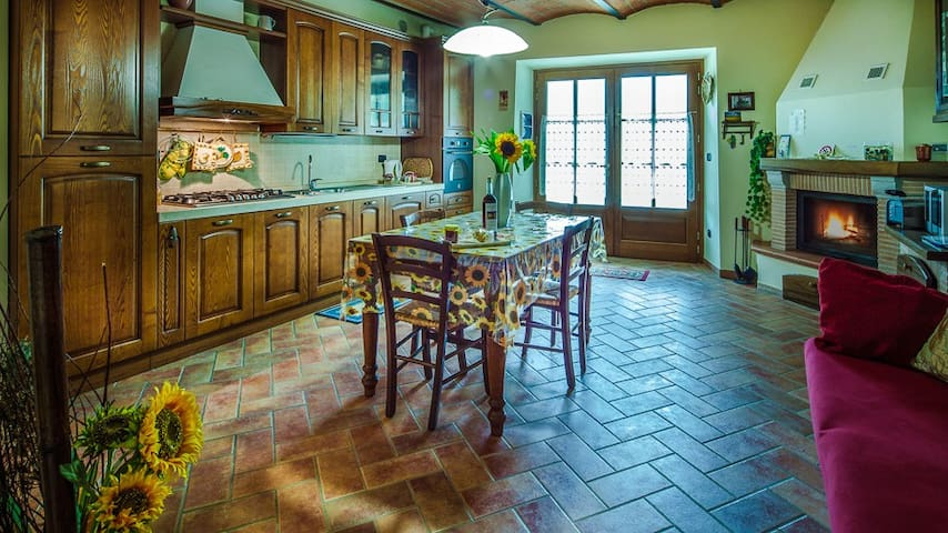 Little Love Nest in Tuscany - Castiglion Fibocchi - Apartment