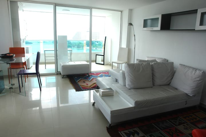 Espectacular apartamento con vista al mar, Laguito - Cartagena - Apartment