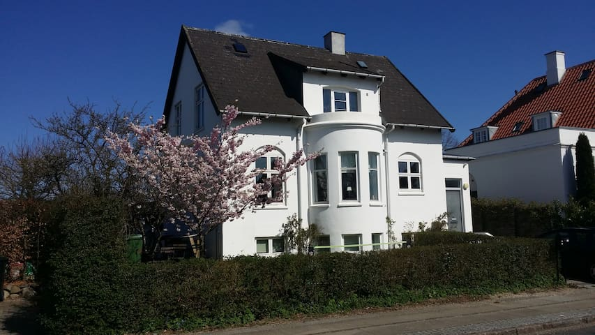 Family-friendly near Copenhagen - Charlottenlund - Huis