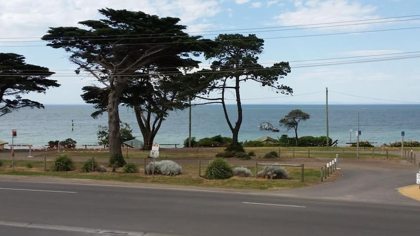 First Class Location -Beachfront - Indented Head - Townhouse