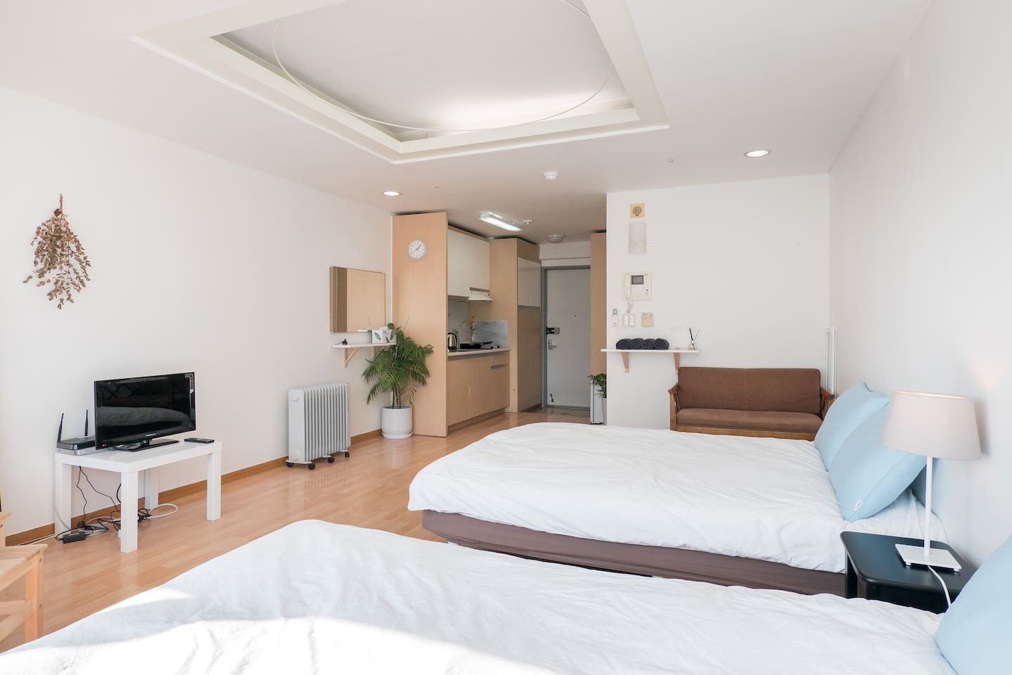sec from hongdae stn cozy studio p apartments for rent in mapo gu seoul south korea: heater table aaad