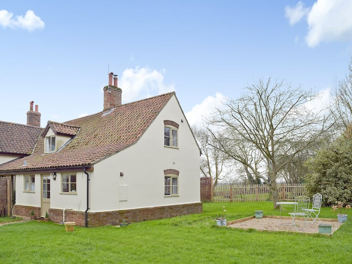 Waveney Lodge Cottage (W43470)