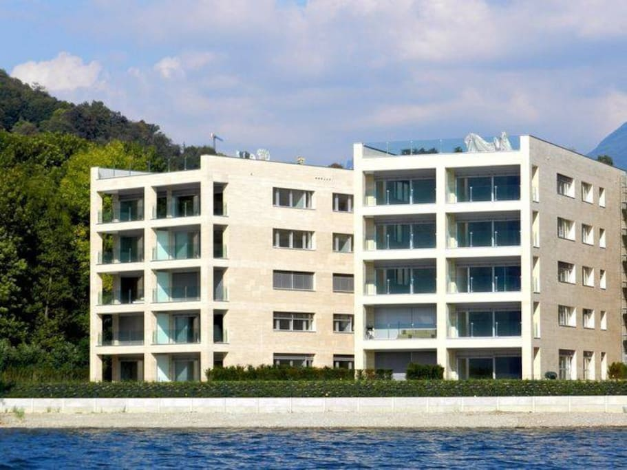 Residenza Cristal, waterfront complex