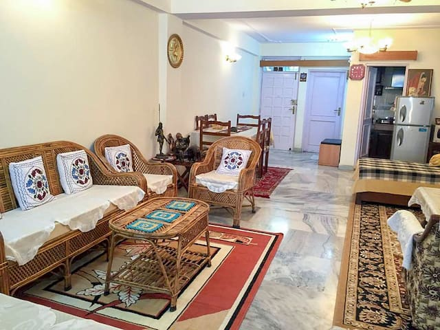 2 Bedroom Apartment close to all the Attractions