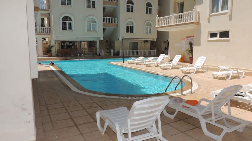Amazing 2 bedroom apt next to swimming pool.