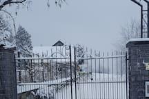 Porche d'entée sous la neige de Février 2019