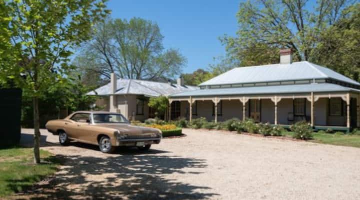 Riverside Historic Homestead - the perfect escape
