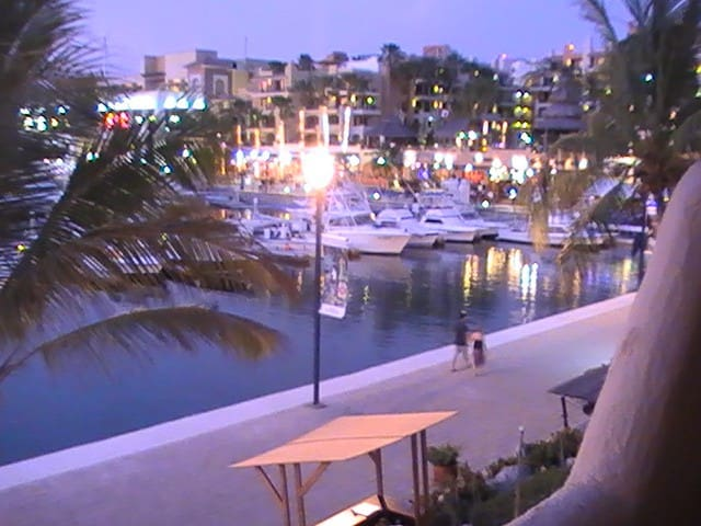 Best Location In Cabo, on marina! - Cabo San Lucas - Lägenhet