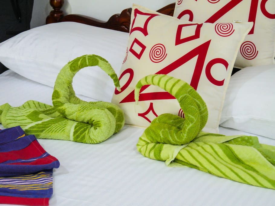 Towels and bed linen are included