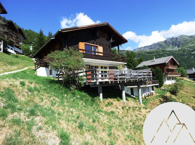 ETOILE BAS - Nice bottom of chalet for 4 people, located in the center of Chandolin with a view on the Val d'Anniviers.