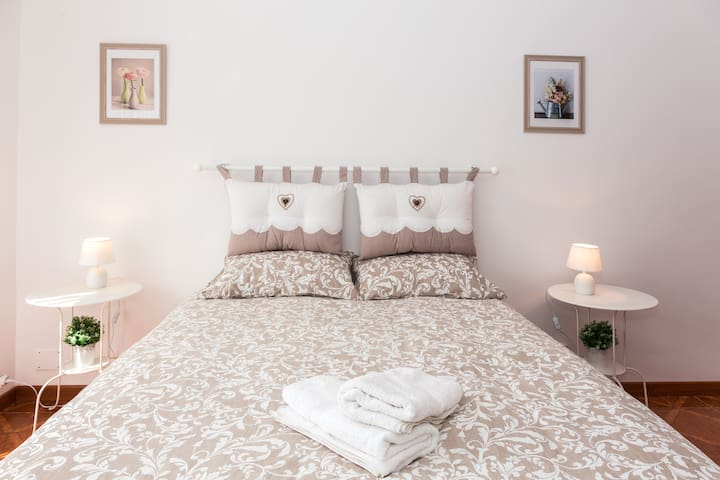 Guesthouse/Affittacmere-  na' Casetta a Roma 2