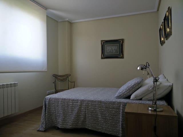 Apartamento bajo con jardín junto al Campo de Golf - Cirueña - Daire