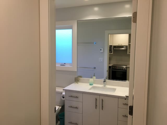 New bathroom with great lighting