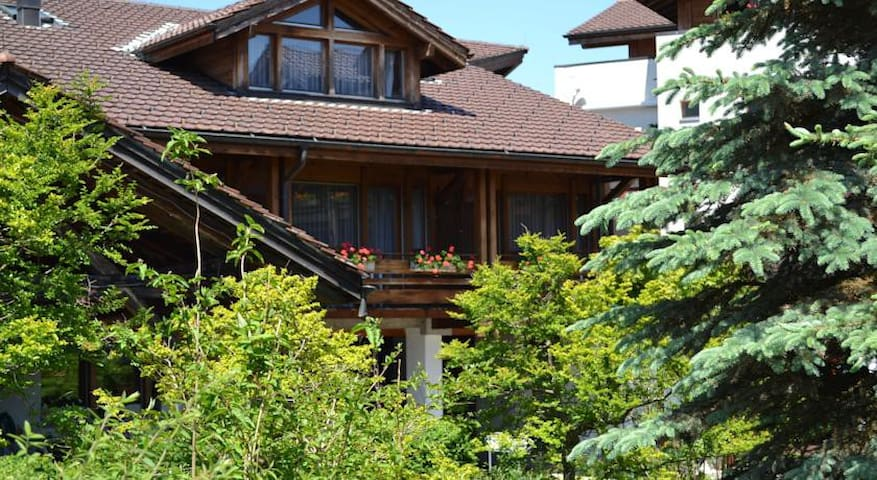 Interlaken region - 3 rooms holiday apartment - Aeschi bei Spiez - Apartamento