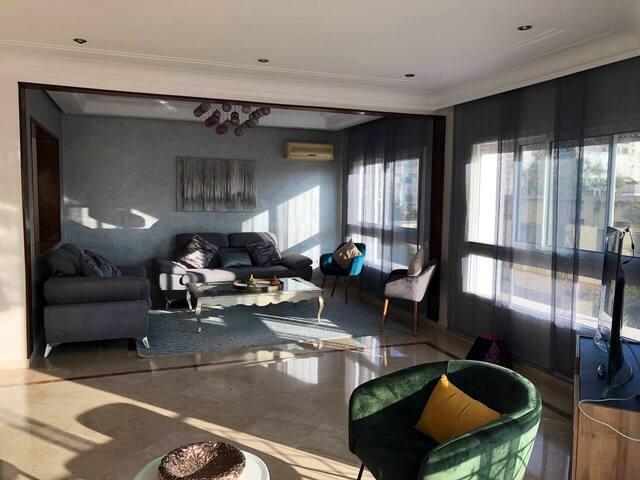 Appartement chaleureux au centre de casablanca
