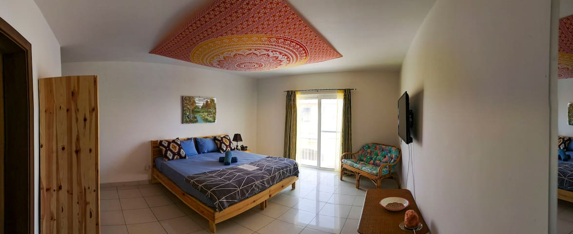 """King size bed with Sea-View balcony - """"Ignis"""""""