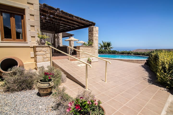 Pool Villa on Hill, Great View of Cretan Sea - Charkia - Villa