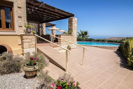Pool Villa on Hill, Great View of Cretan Sea - Charkia - Villa