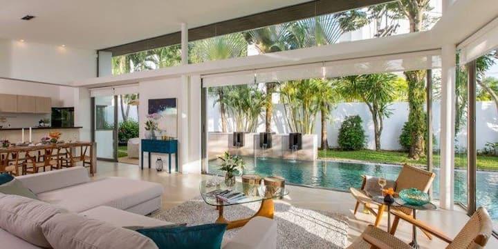 Luxury Pool Villa at Laguna Phuket. Luna Phuket