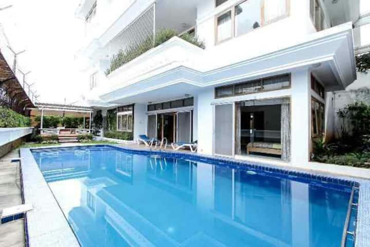 Villa Bandung with swimming pool
