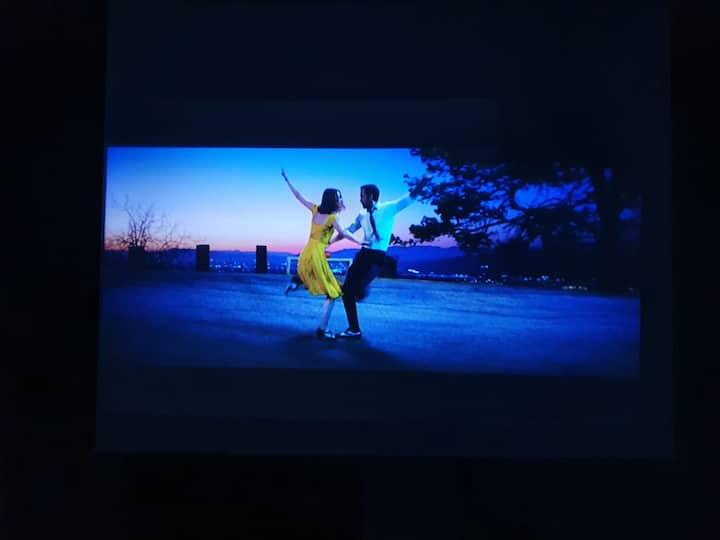 #Cinema house4#NETFLIX/강남번화가 위치/ 방역,소독진행중