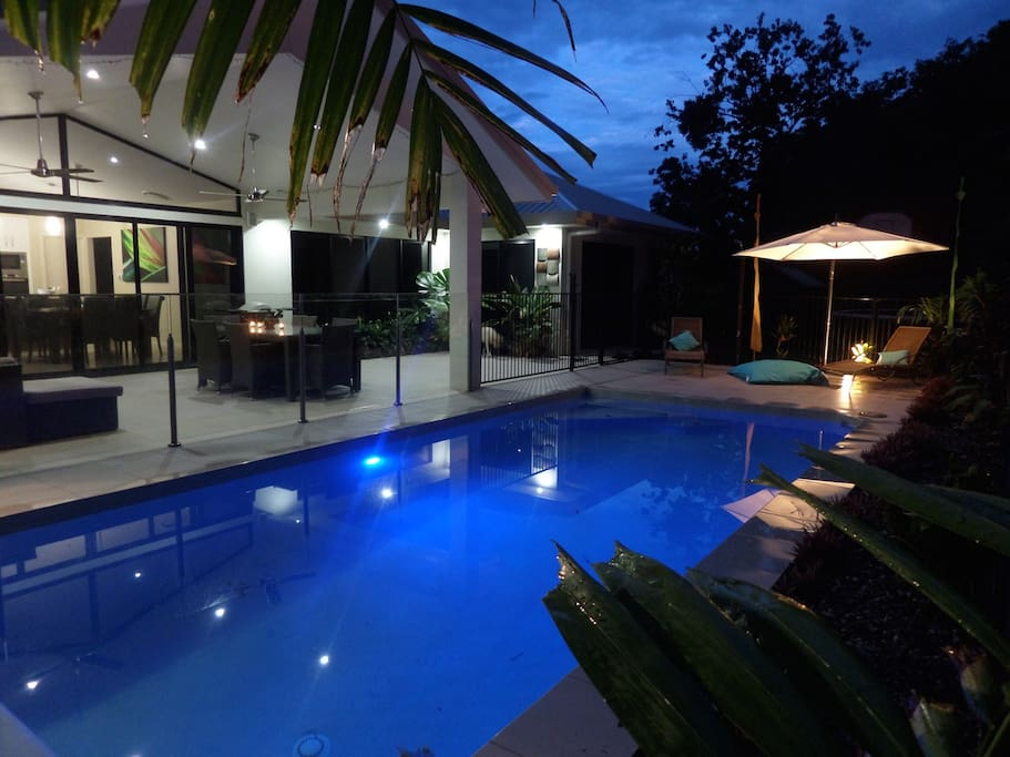 Heated pool complete privacy relax palmcove houses for for Pool show on foxtel