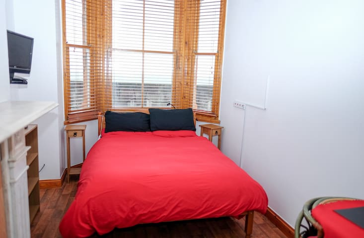 Shrimpterrace3 - Sheerness - Bed & Breakfast
