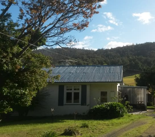 Farm house close to Hobart & Huon