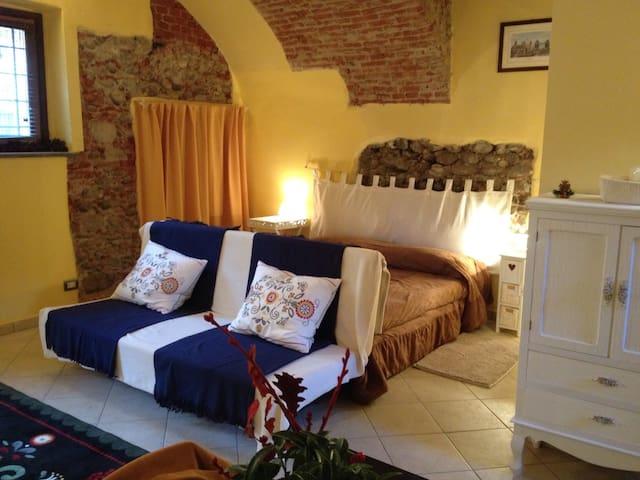 monolocale in casa tipica - Cuneo - Pis