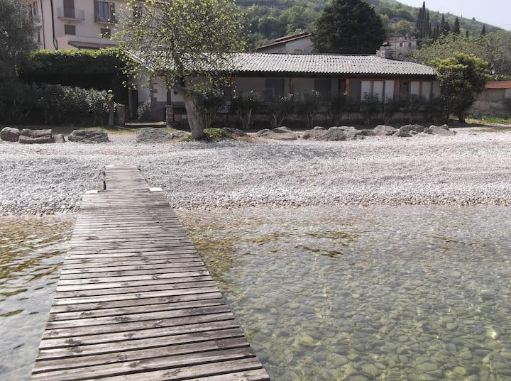 Lago di Garda Villa sulla spiaggia