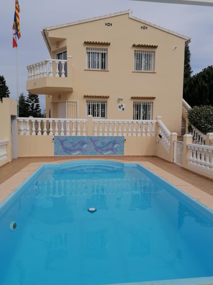 Villa mit panorama Meerblick und in die Berge