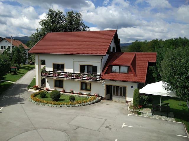 House Pavlic Plitvice Lakes -two bedroom apartment