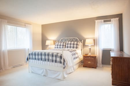 The Lodge at Indiana Ordnance-Farmhouse Suite