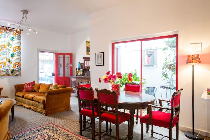 Huge bright townhouse with terrace
