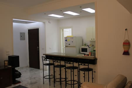 Cozy Room in Garden City