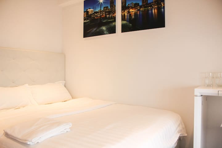 Cosy Private Room Suite @ Orchard/ Central Area.